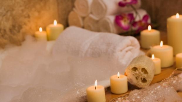 http://www.basicknead.com/2012/03/17/relaxing-bath-salt-recipe-for-a-rainy-weekend/